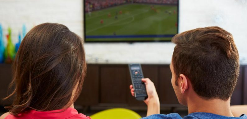 What are the characteristics of a good TV advertisement?